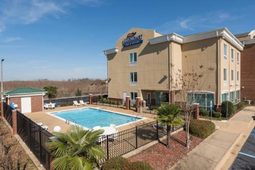 Baymont Inn & Suites Montgomery South Photo