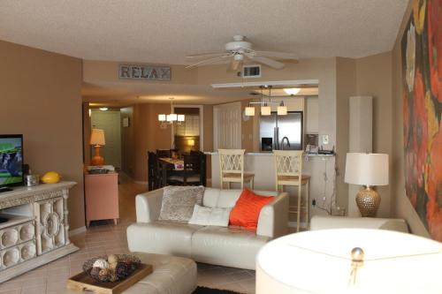Beach Palms 404 Apartment Photo