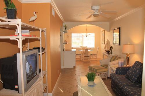 Barefoot Beach Resort 217E Apartment Photo