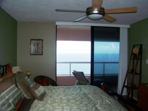 Crescent Beach Club 14C Apartment Photo