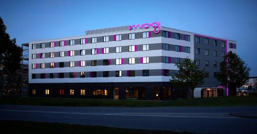 MOXY Munich Airport - 16 of 28