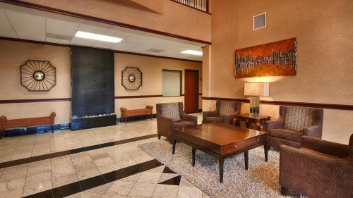 Best Western Plus McKinney Inn and Suites Photo
