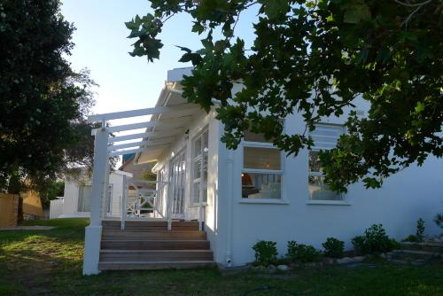 Pashasha Beach House Photo