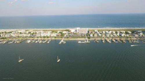 Blockade Runner Beach Resort Photo