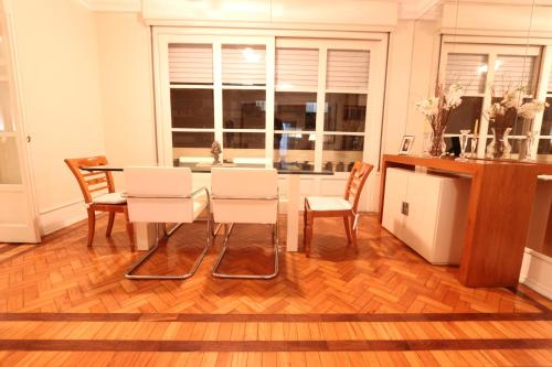 Luxury Apartment in Copacabana Photo