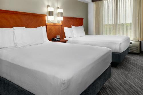 Hyatt Place Tampa Busch Gardens Photo