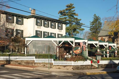 Logan Inn Photo