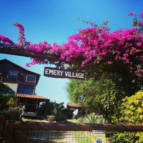 Pousada Emery Village Photo