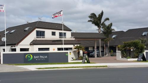 Bay Palm Motel