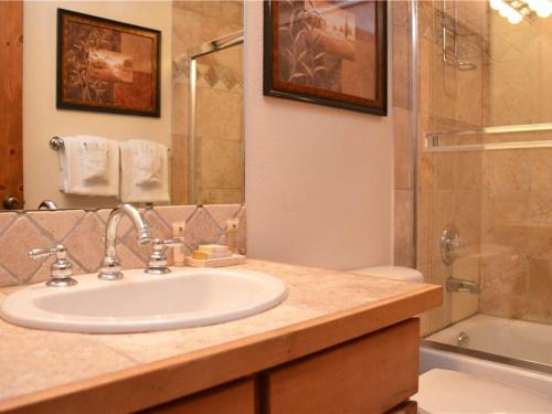 Los Pinos Townhomes Unit D11 Photo