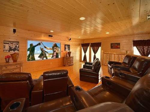 Home Theater Lodge Photo
