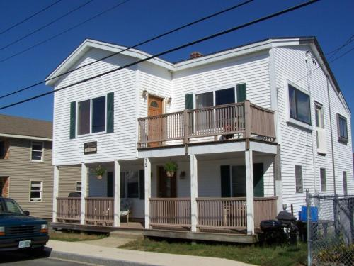 Nautical Motel Suites & Beach Houses Photo