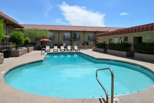 Best Western Airport Inn Phoenix photo