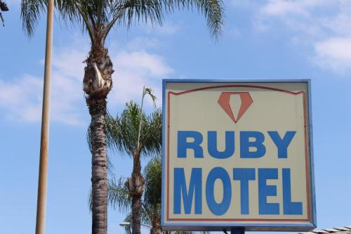 Ruby Motel - Long Beach, CA 90806