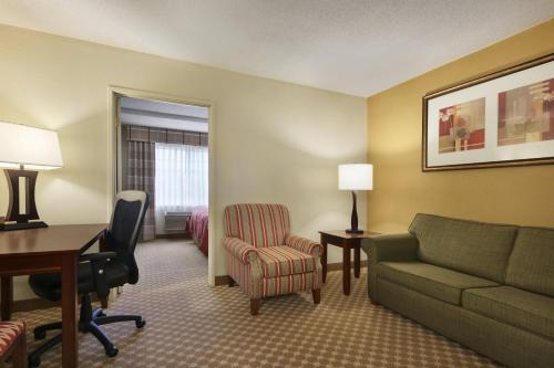Country Inn & Suites By Carlson Kalamazoo Photo