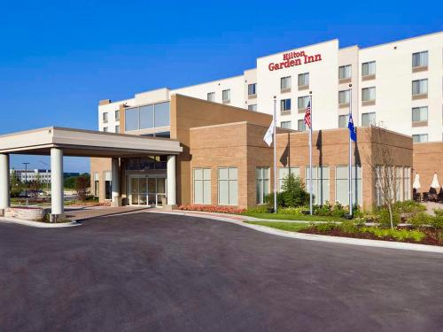 Hilton Garden Inn Lake Forest Mettawa Photo