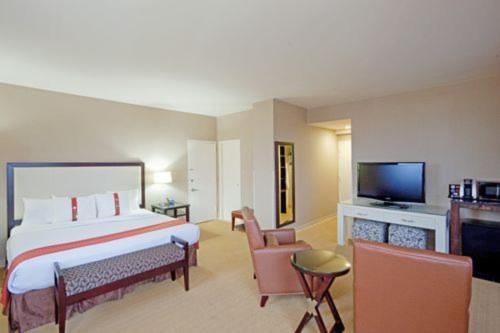 Holiday Inn Boston - Dedham Hotel & Conference Center Photo