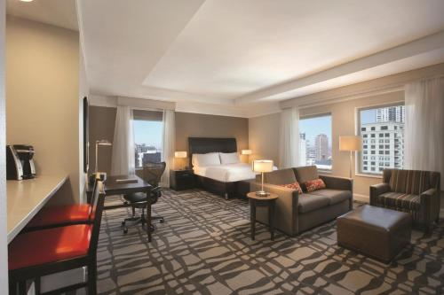 Hilton Garden Inn Chicago Downtown/Magnificent Mile - Chicago, IL 60611