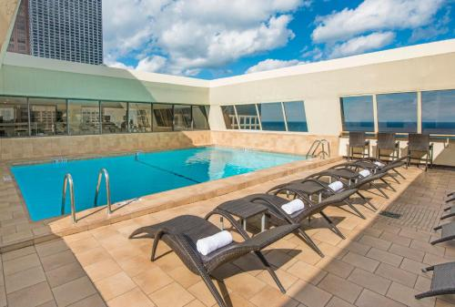 Homewood Suites Chicago Downtown - Magnificent Mile photo 8