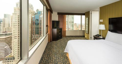 Homewood Suites Chicago Downtown - Magnificent Mile Photo