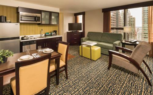 Homewood Suites Chicago Downtown - Magnificent Mile photo 32