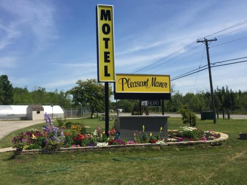 Pleasant Manor Motel Photo