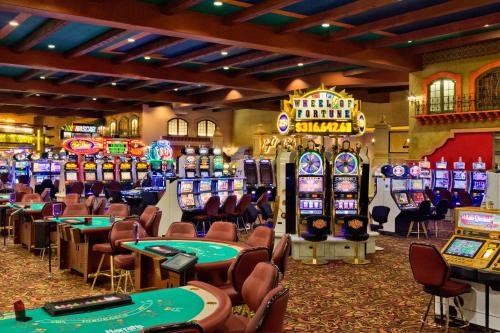 Harrah's Hotel & Casino Laughlin Photo