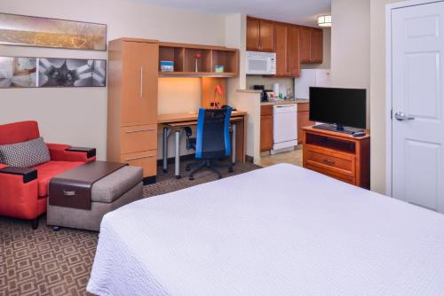 TownePlace Suites Thousand Oaks Ventura County Photo