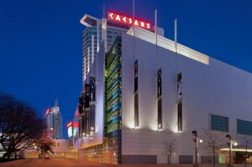 Caesars Windsor Hotel and Casino Photo