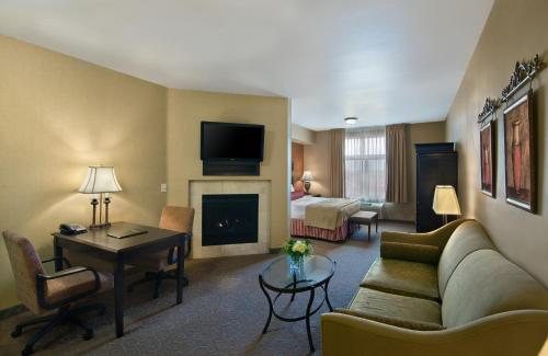 Oxford Suites Boise Photo