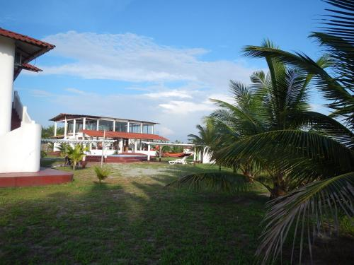 La Playa Lodge Photo