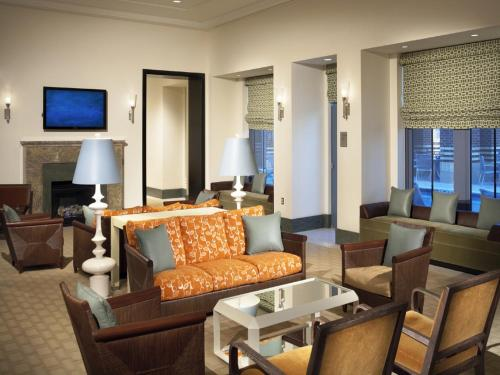 Global Luxury Suites at Metropolitan South Photo