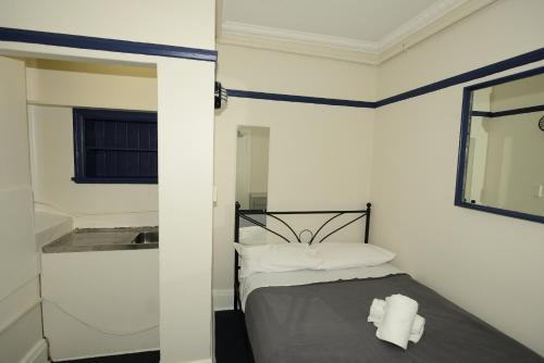 Sydney Central Backpackers photo 10