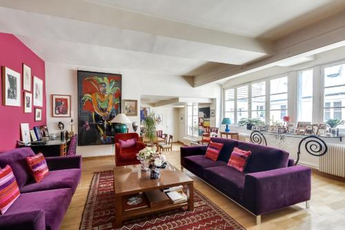 Spacious Flat in the Heart of Paris - фото 0