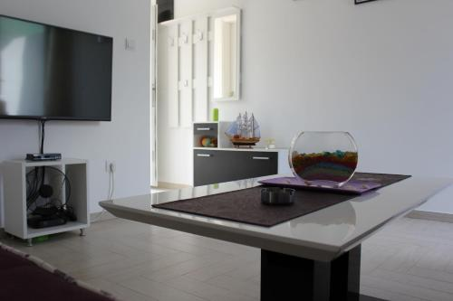 Apartments Cetiri Mornara, Каменари