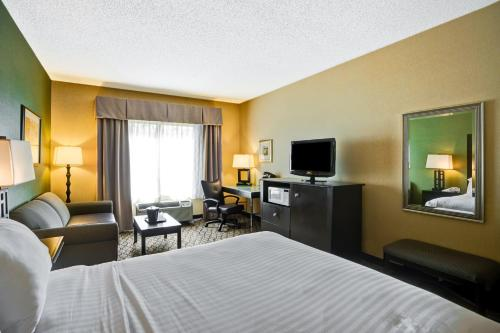 Holiday Inn Express Hotel & Suites Christiansburg Photo