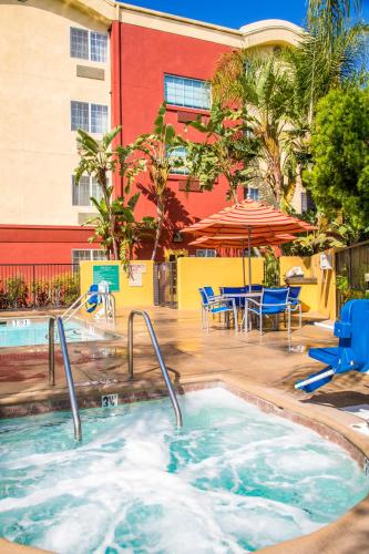 TownePlace Suites Anaheim Maingate Near Angel Stadium Photo