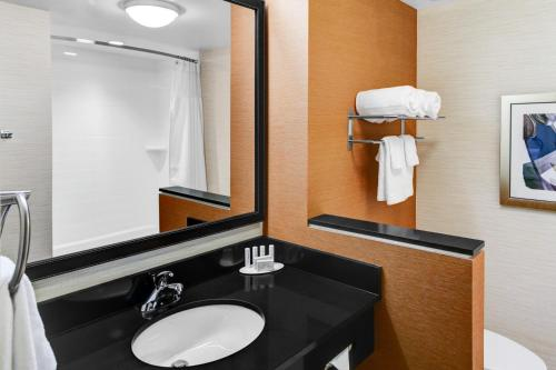 Fairfield Inn & Suites by Marriott Cape Cod Hyannis Photo