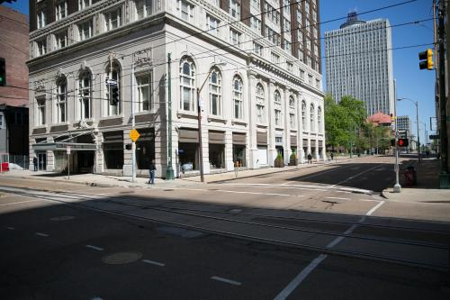 Exchange Suites at Court Square Photo