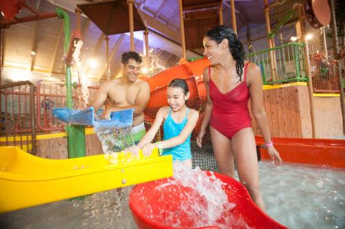 Great Wolf Lodge New England Photo