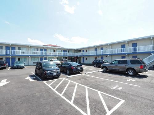 Seashire Inn & Suites Photo