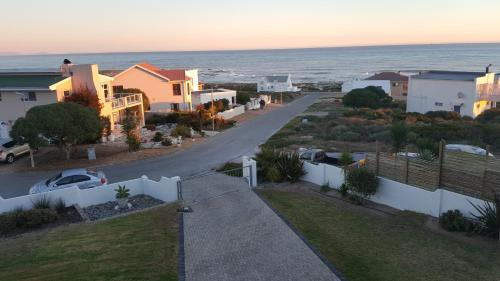 Seaview Villa Photo