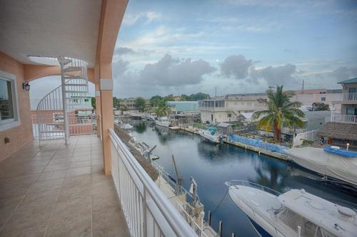 Large Key Largo Home with Dock (A1) Photo