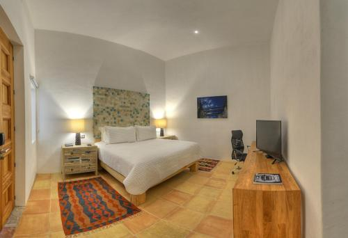 Hotel Boutique Casareyna Photo