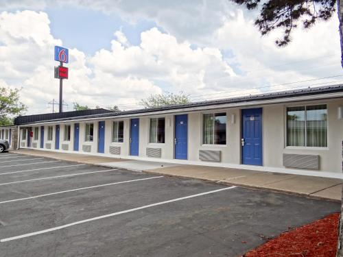 Motel 6 Erie Photo