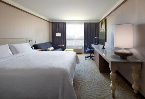 Hilton Garden Inn Montreal Airport Photo