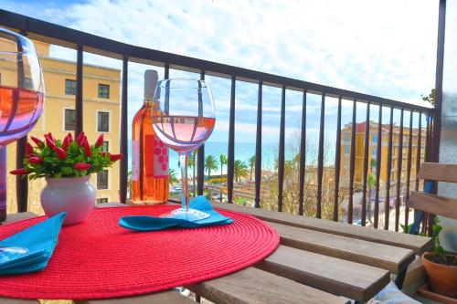 http://www.booking.com/hotel/fr/ashley-amp-parker-le-nadia.html?aid=1728672