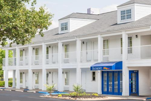 Baymont Inn & Suites Anderson/Clemson Photo