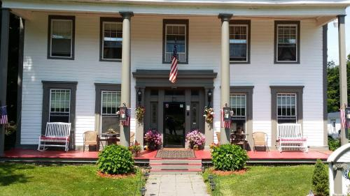 Brookside Inn at Laurens Photo