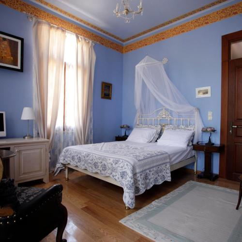 Traditional Hotel Ianthe - Hotels in Greece